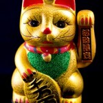 Ceramic-Lucky-Cat-With-Moving-Hand