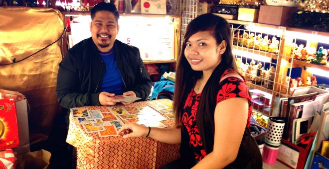 master hanz, shangri la mall, master hanz cua, feng shui, card reading, palmistry