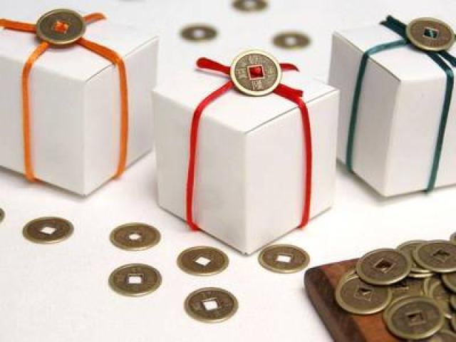 gifts, christmas, feng shui, feng shui philippines, feng shui cure, gold, coins, chinese zodiac